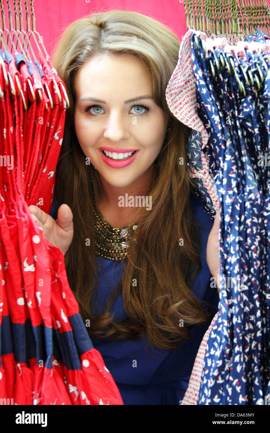 Sheffield, UK. 4th July 2013. FIRST LOOK: Lydia Bright's Bella Sorella pop-up boutique at the 'Girls Night - Stock Image