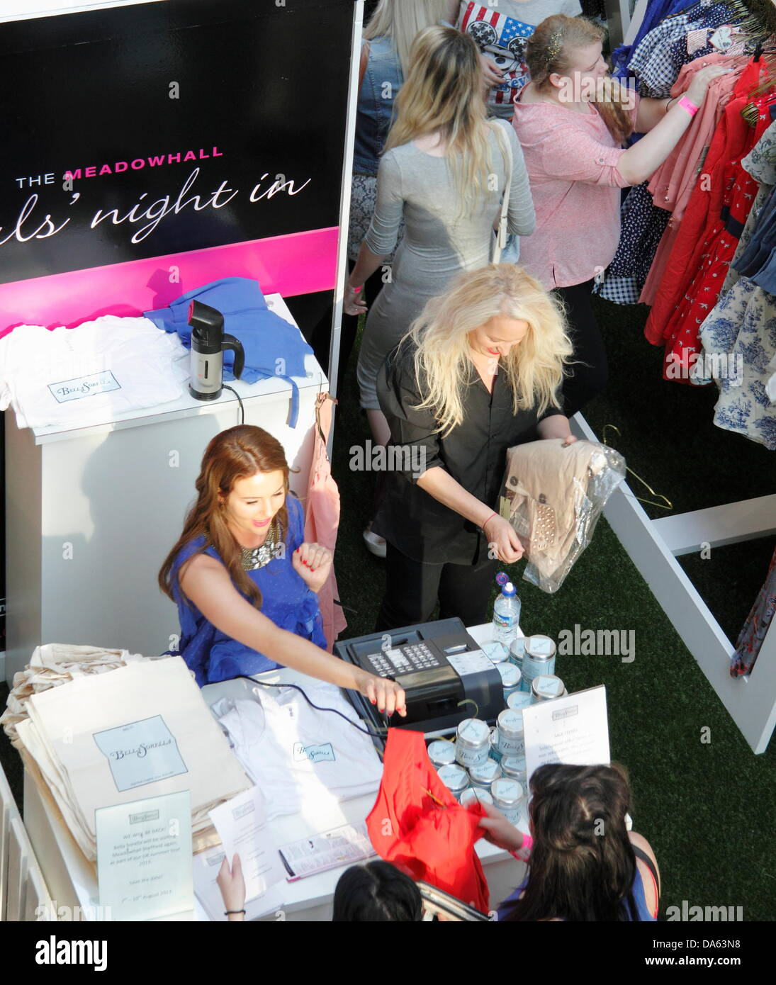 Sheffield, UK. 4th July 2013. FIRST LOOK: Lydia Bright and her mother, Debbie Douglas debut Bella Sorella pop-up - Stock Image