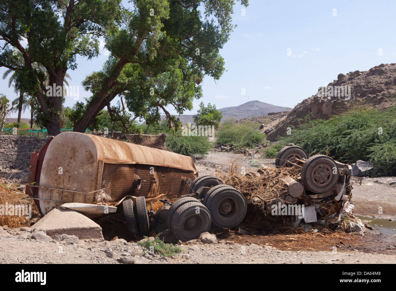 Traffic, accident, casualty, Djibouti, Africa, truck, tip, rusty - Stock Image