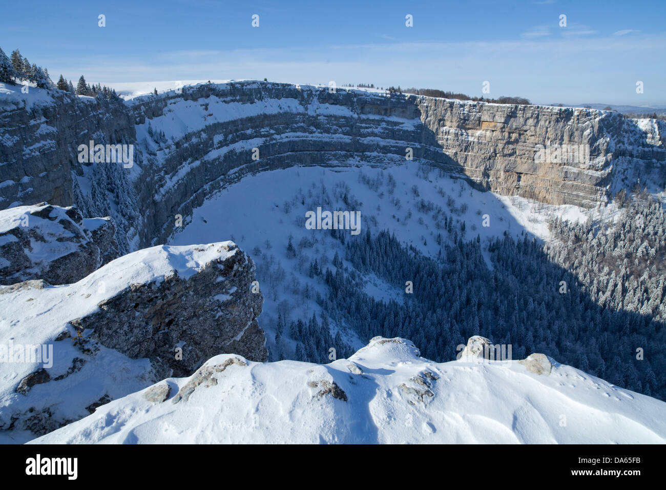 Creux du van, Val de Travers, Neuenburg Jura, canton, JU, snow, winter, cliff, rock, cliff, stone, mountains, Switzerland, - Stock Image