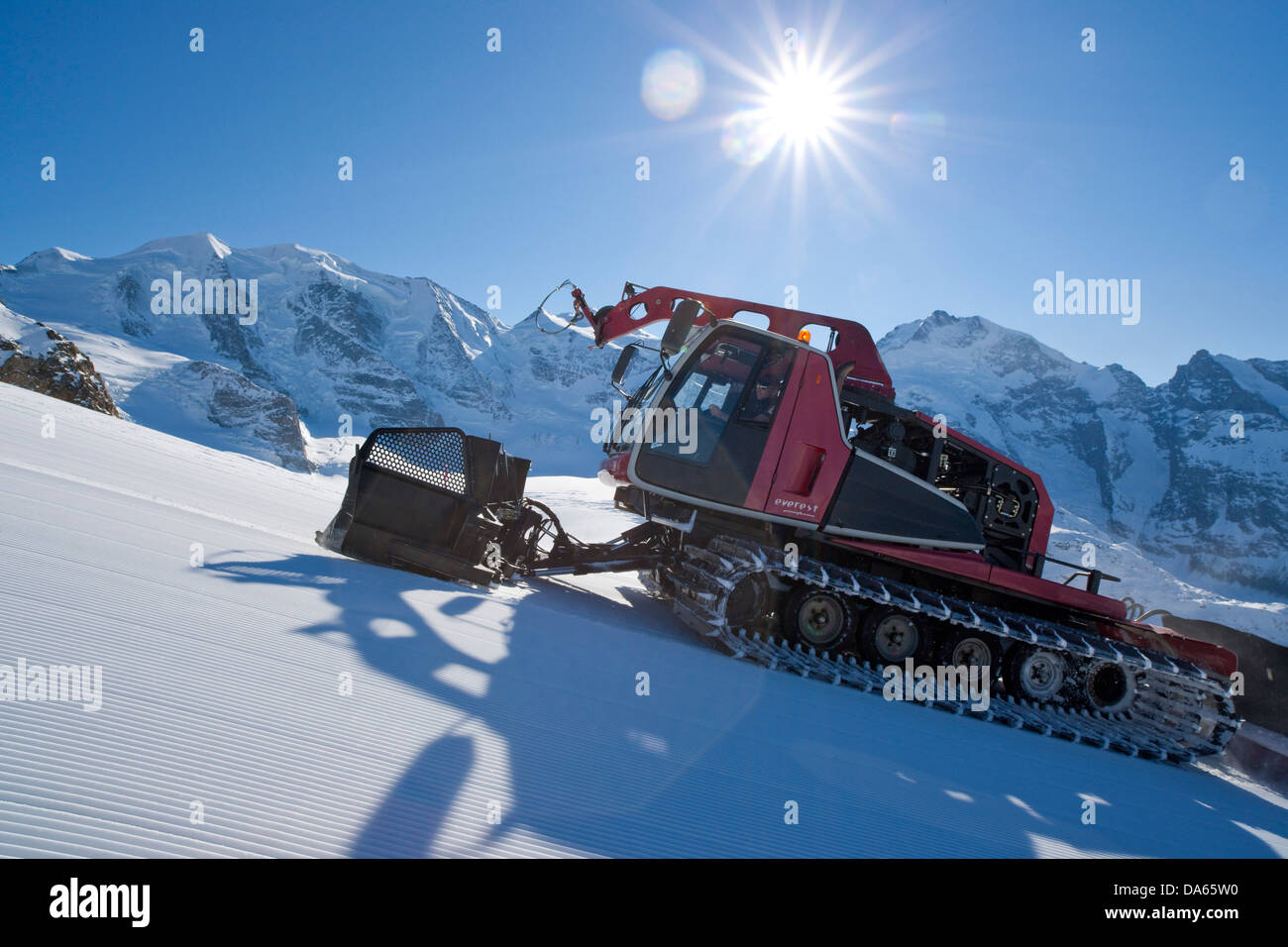piste, vehicle, snow goomer, Diavolezza, view, Bernina, winter sports, canton, GR, Graubünden, Grisons, Engadin, - Stock Image