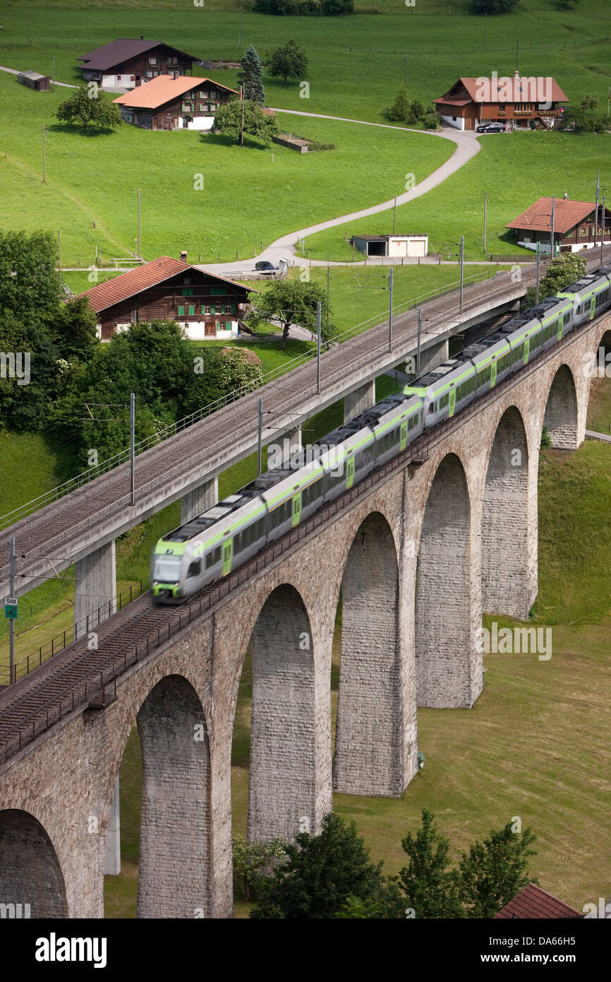 Train, Kanderviadukt, viaduct, Frutigen, north ramp, road, railway, train, railroad, canton, Bern, bridge, Lötschberg, - Stock Image