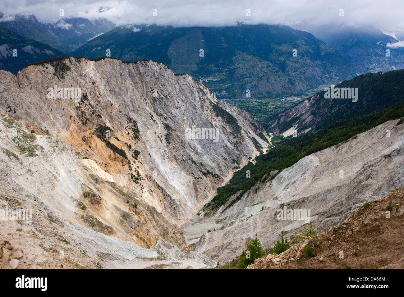 Ditch Ill, Rhone valley, cliff, rocks, cliffs, stone, mountains, gulch, canyon, canton, Valais, Switzerland, Europe, - Stock Image