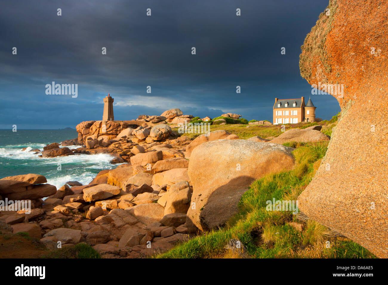 Ploumanach, France, Europe, Brittany, department Côte d'Armor, Côte de granite rose, granite rock, - Stock Image
