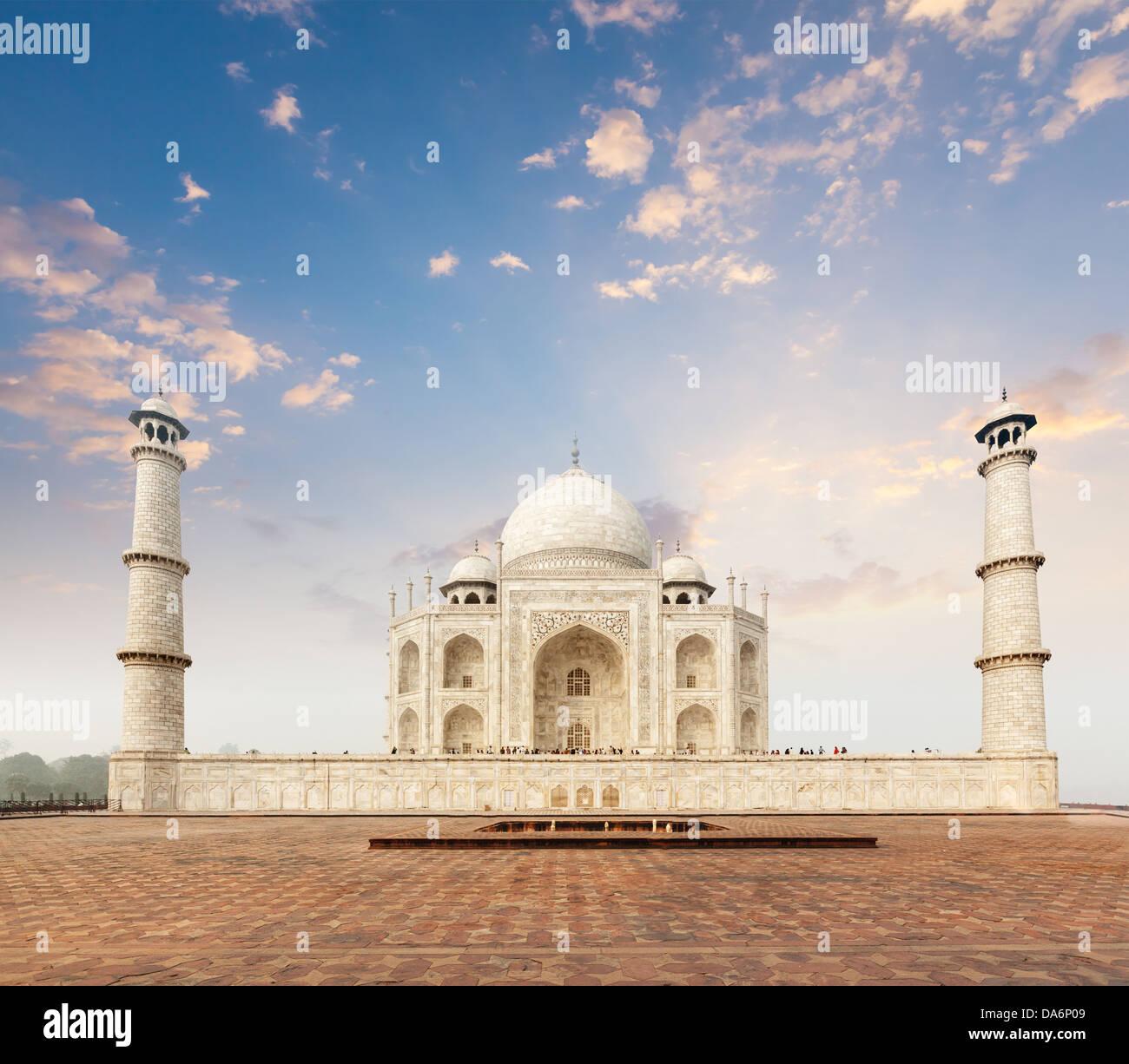 Taj Mahal. Indian Symbol - India travel background. Agra, India Stock Photo