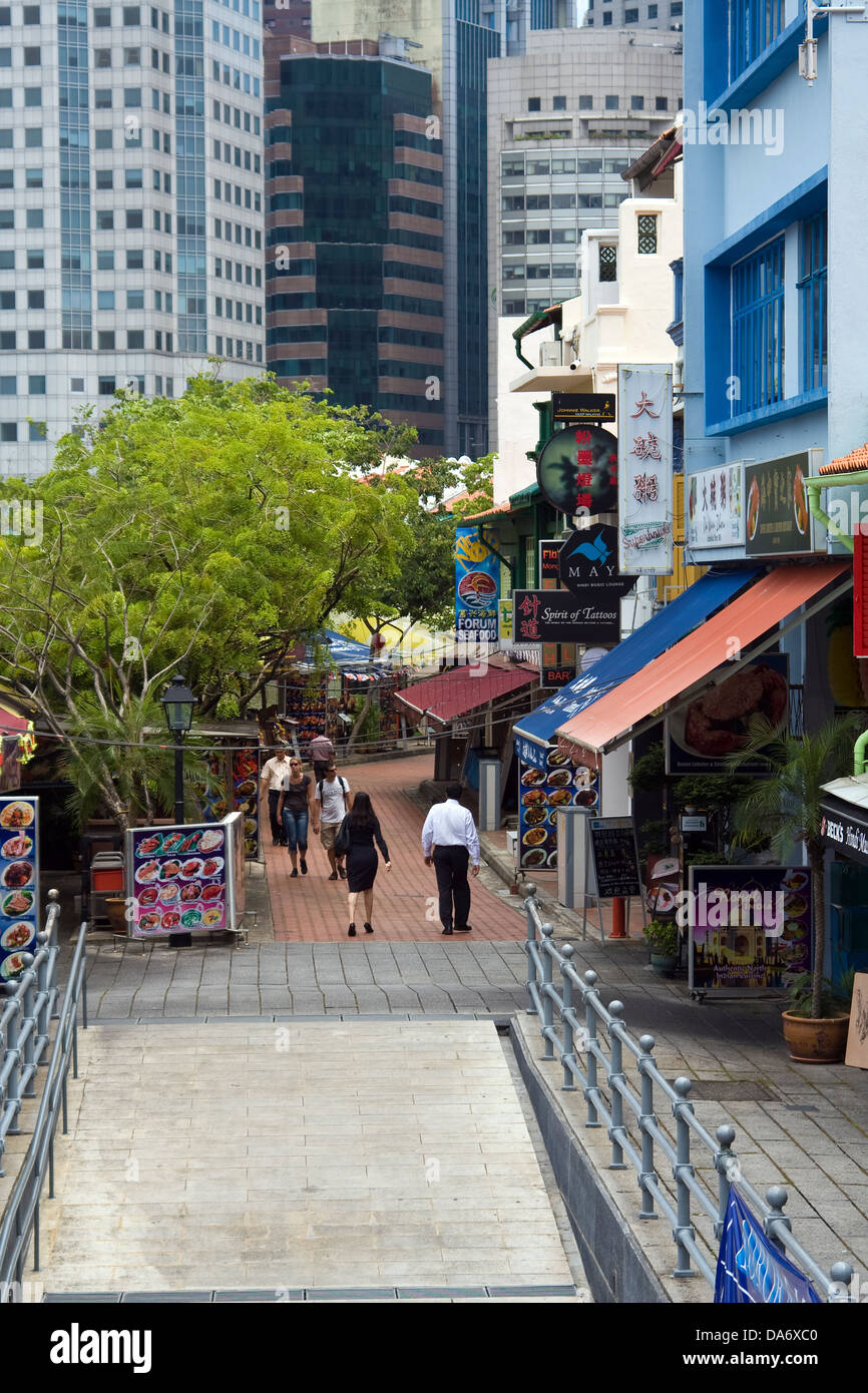 Asia,Singapore,Singapore City,Boat Quay,walkway by Singapore river,Shops,Food centre - Stock Image