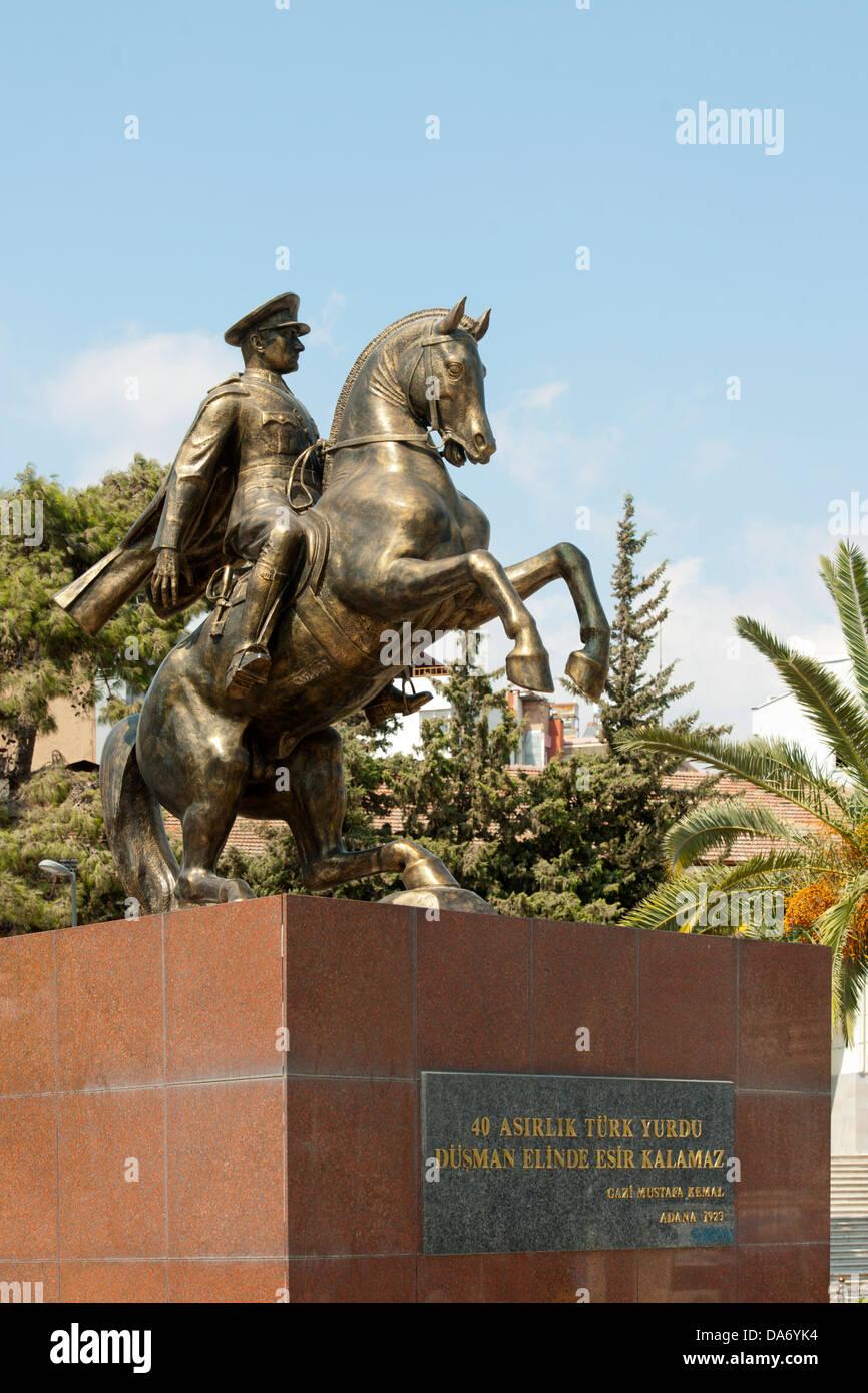 Türkei, Provinz Hatay, Antakya, Cumhuriyet Meydani, Atatürkdenkmal - Stock Image