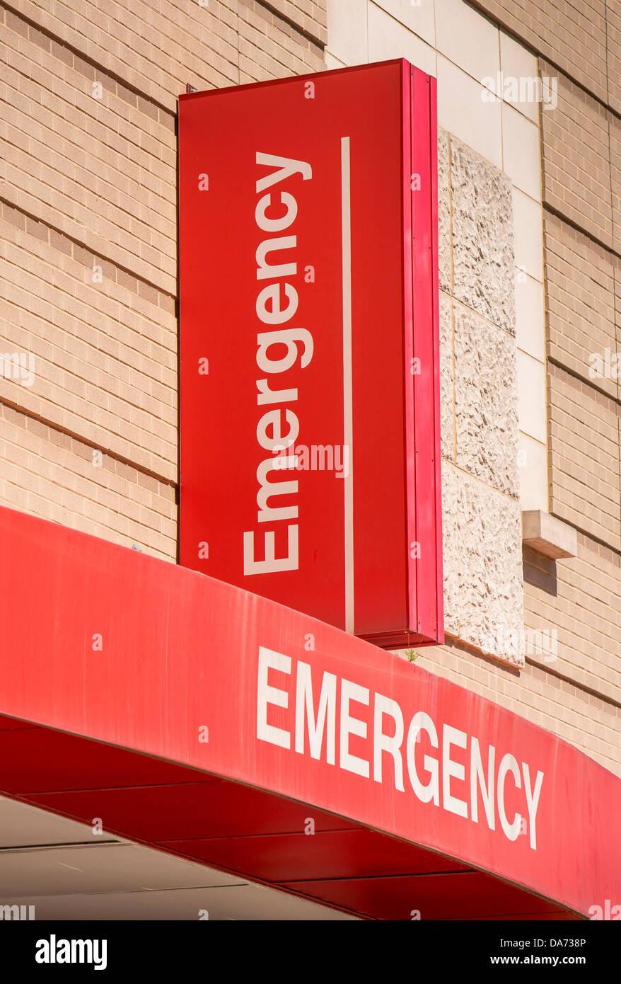 WASHINGTON, DC, USA - The George Washington University Hospital emergency room entrance and sign. - Stock Image
