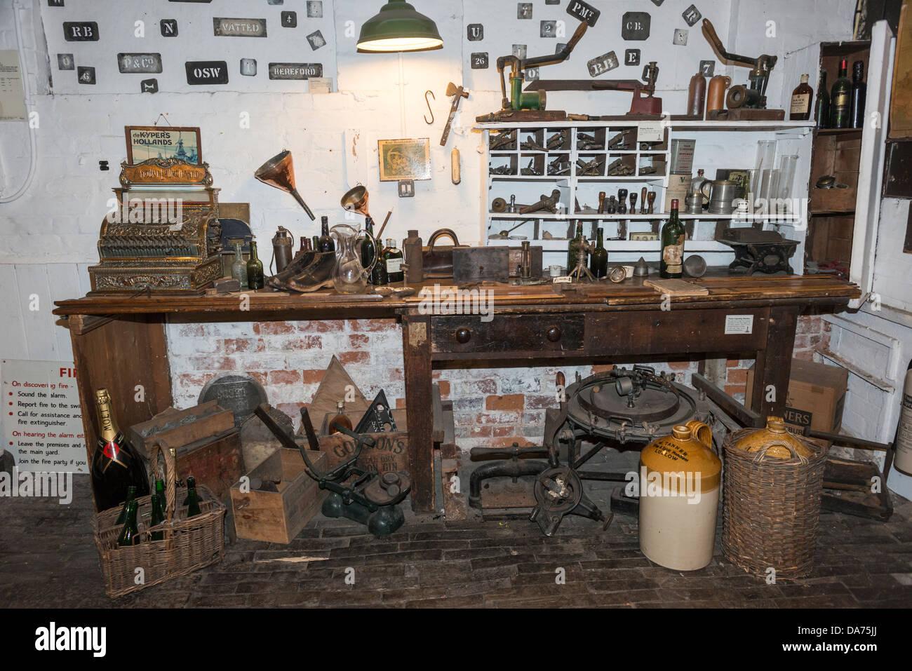 Tanners Wines Cellars Shop, Shrewsbury, Shropshire - Stock Image