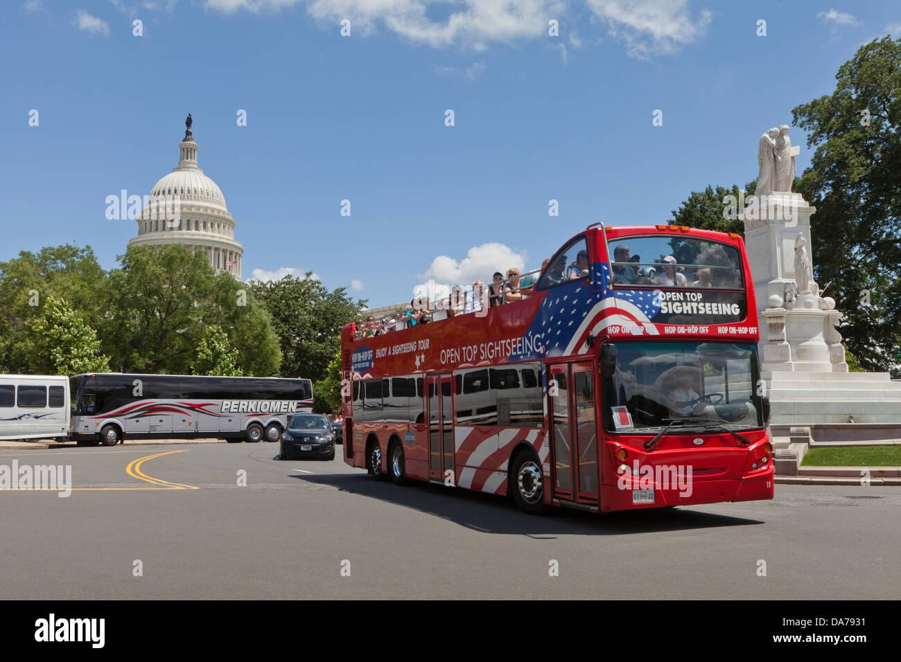Open top tour bus, Washington DC - Stock Image