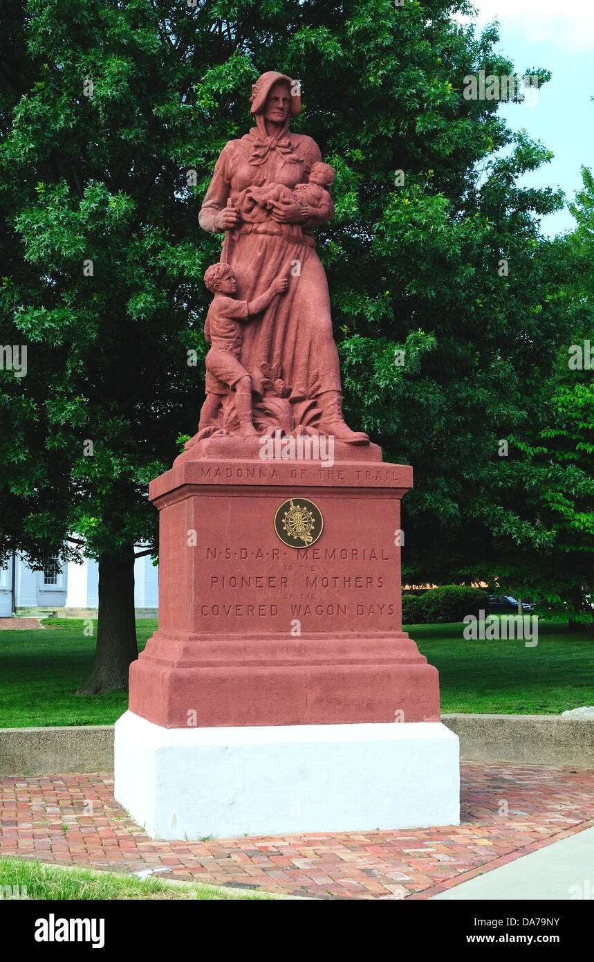 Madonna of the Trail statue in Vandalia Illinois USA - Stock Image