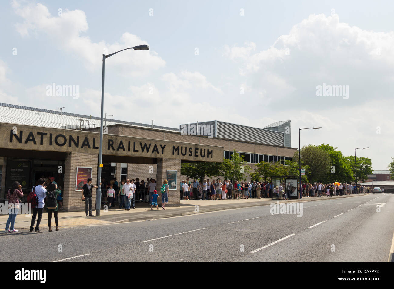 York, UK. 6th July, 2013. Railway enthusiasts and people just generally interested queing for up to a hour to enter - Stock Image