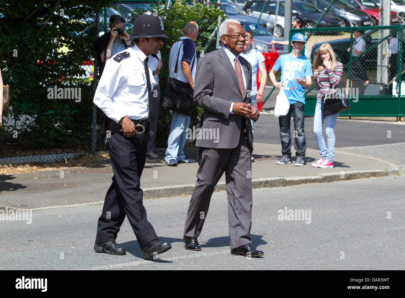 7th July 2013. Wimbledon London UK. Sir Trevor McDonald arrives at the All England Lawn Tennis as   Andy Murray - Stock Image