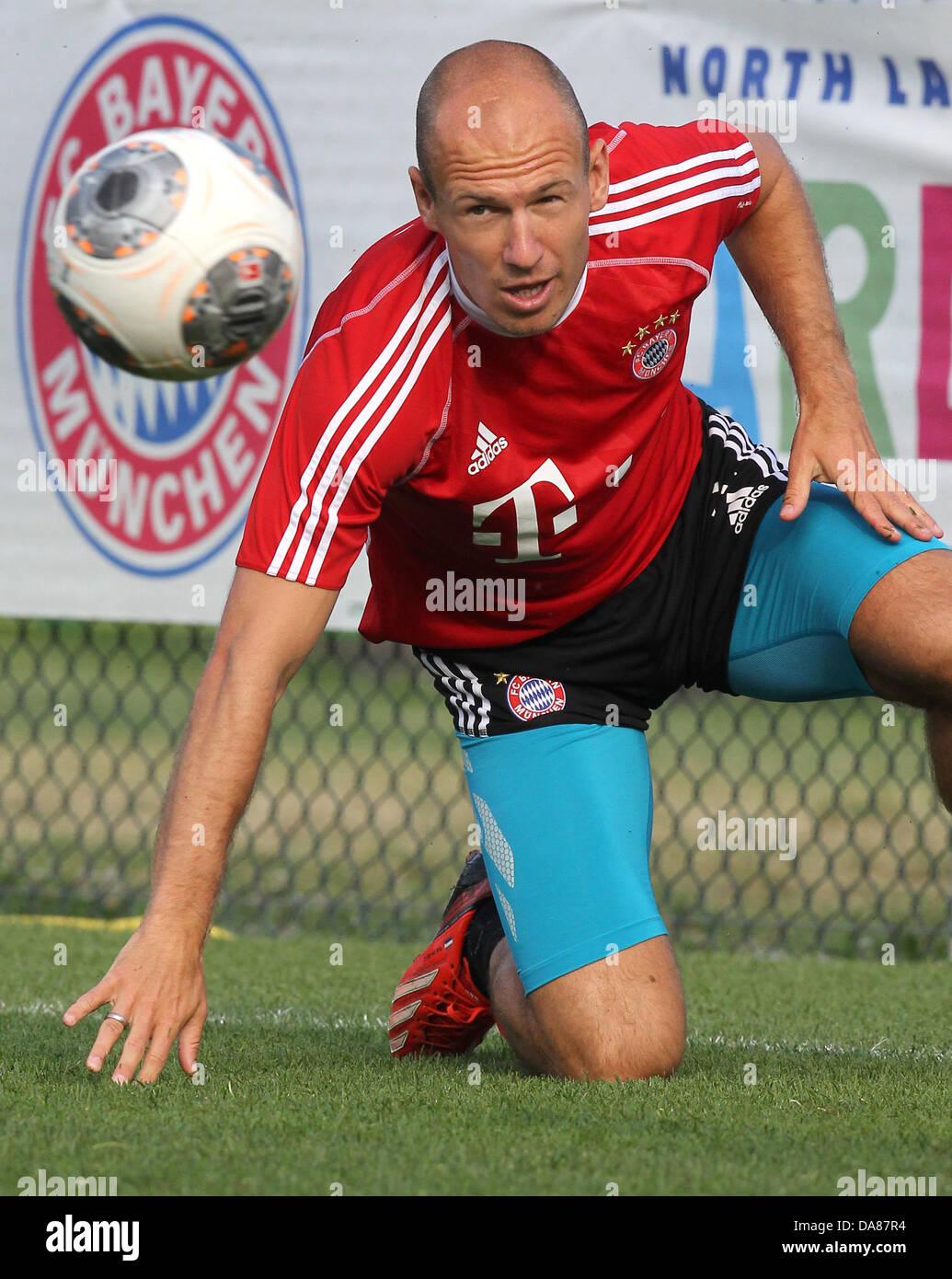 Bayerns Arjen Robben trainiert am 07.07.2013 zum ersten Mal im italienischen Arco. Der Bundesligist bereitet sich - Stock Image