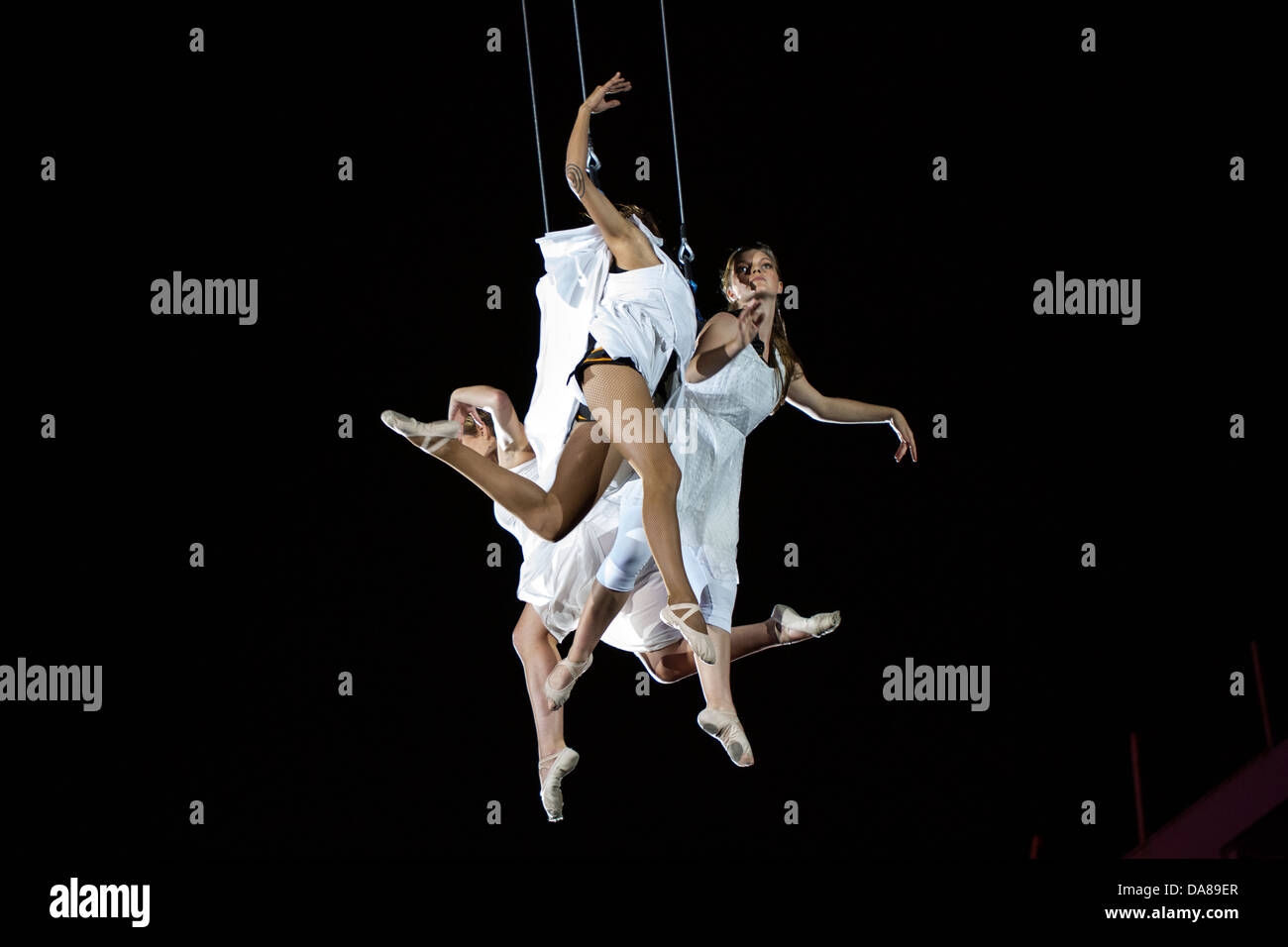 Dancers performing in the air - Stock Image