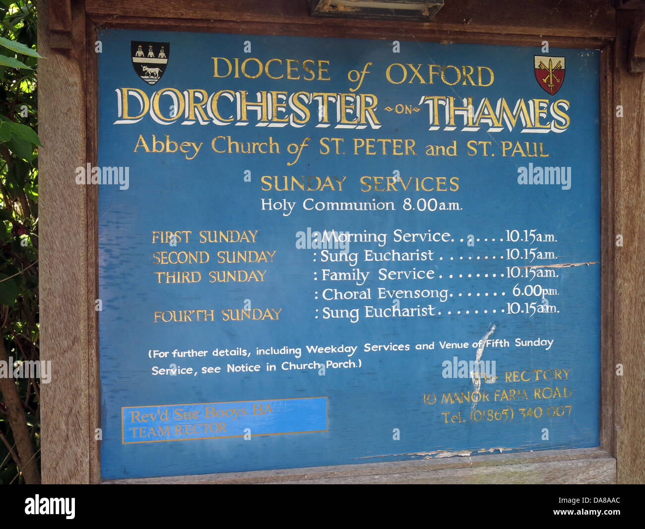 Beautiful Dorchester On Thames Abbey Church of St Peter & St Paul, front sunday services sign - Stock Image