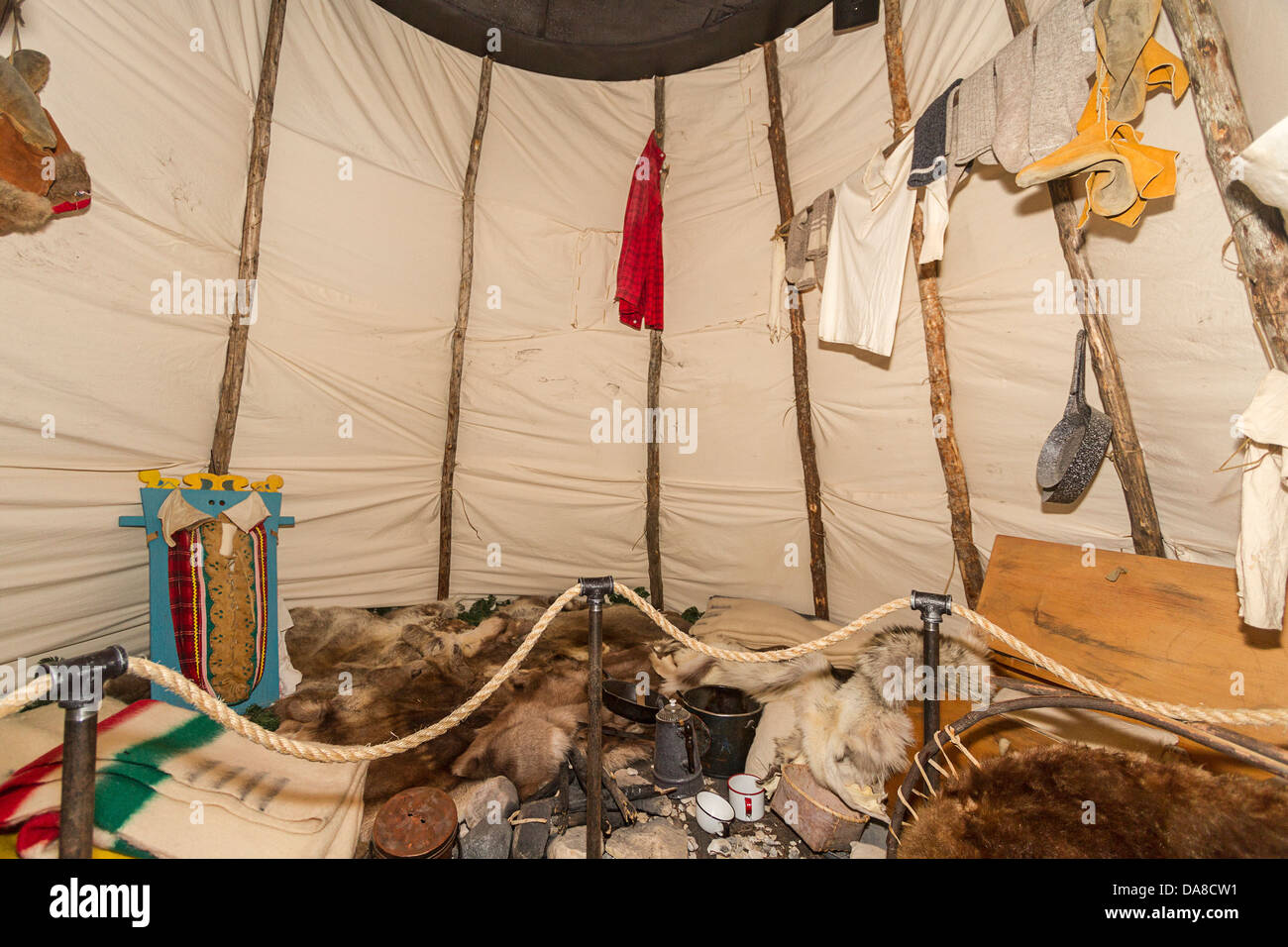 Replication of a summer lodge of Cree family of western Hudson Bay around 1900. On display at Parks Canada museum, - Stock Image