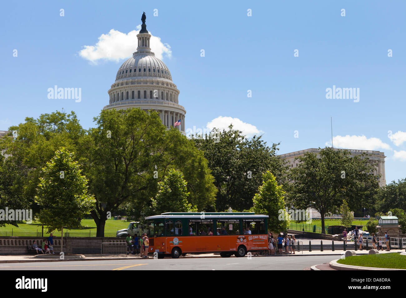 Tour trolley at the US Capitol building - Washington, DC USA - Stock Image