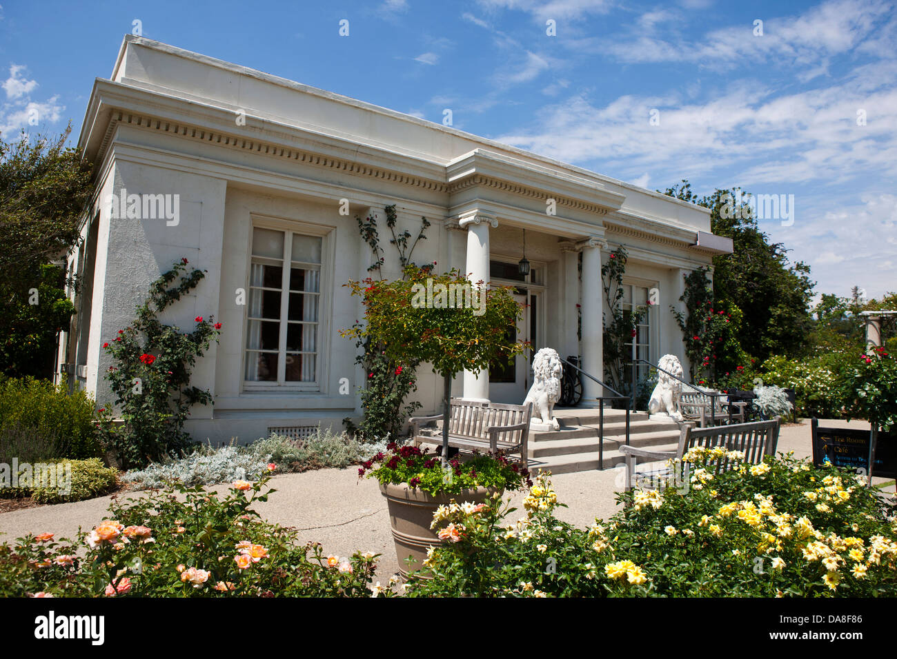 Rose Garden Tea Room And Cafe The Huntington Library Art Stock Photo Alamy