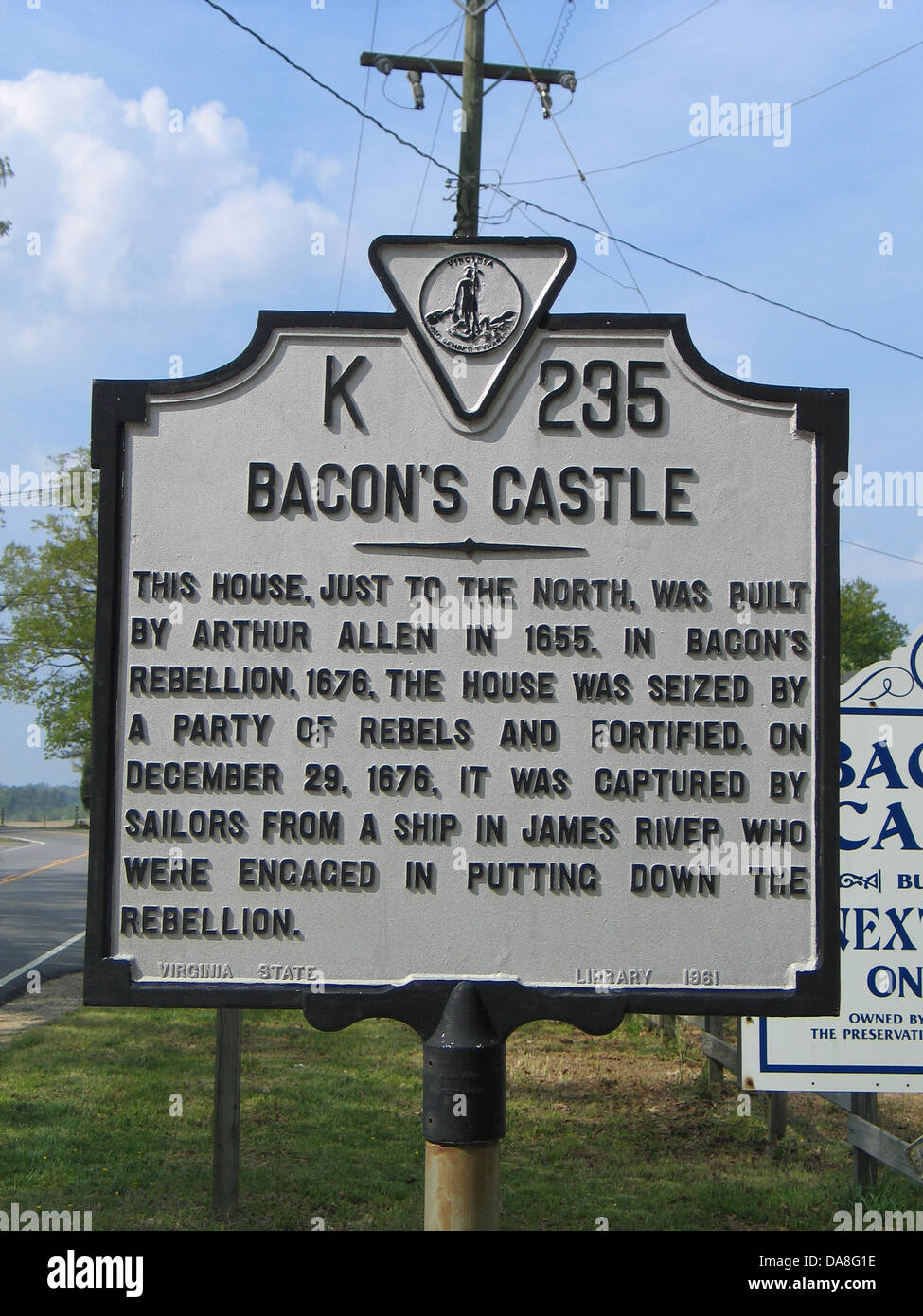 BACON'S CASTLE This house, just to the north, was built by Arthur Allen in 1655. In Bacon's Rebellion, 1676, the Stock Photo