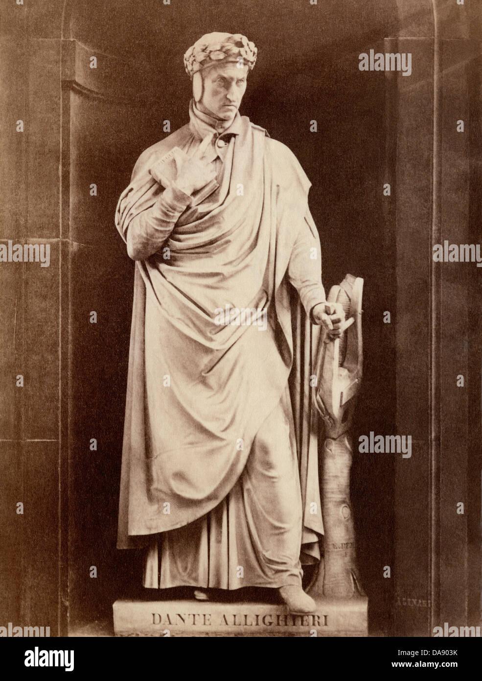 Statue of Dante Alighieri. Photograph - Stock Image