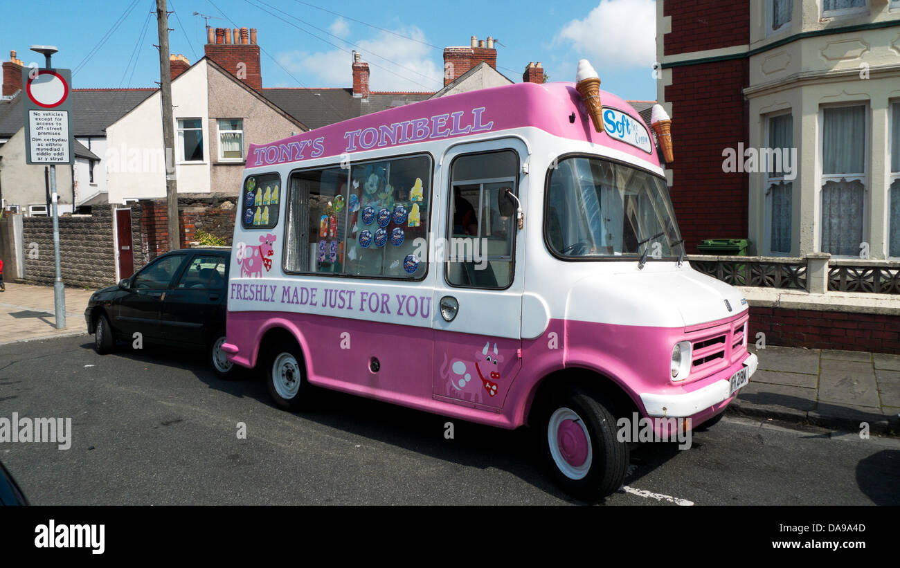 Ice cream van parked on a street in hot summer weather in Cardiff Wales UK    KATHY DEWITT - Stock Image