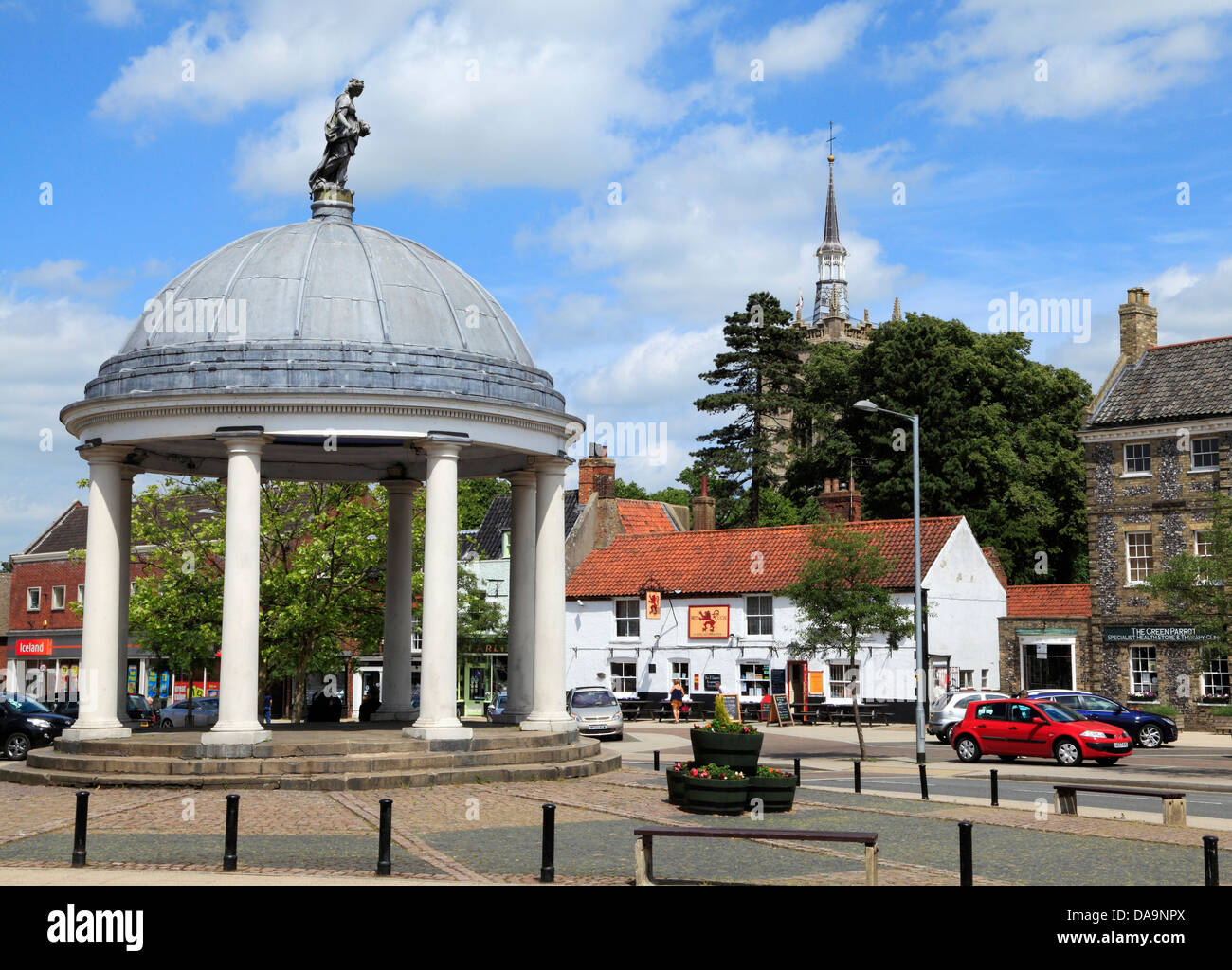 Swaffham, Norfolk, Market Place and 18th century Market Cross, England UK, town towns - Stock Image