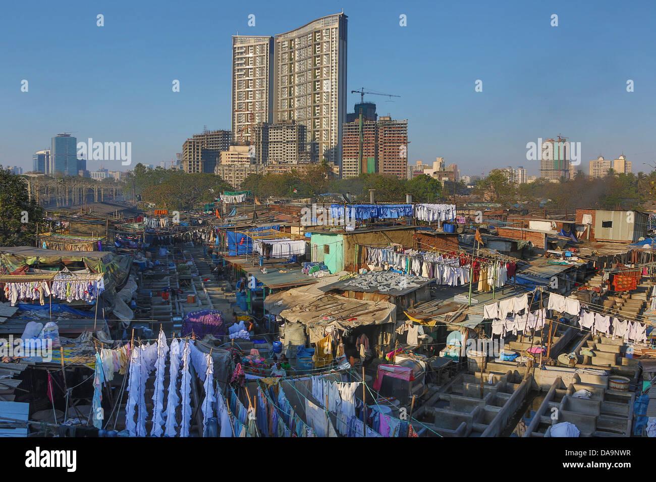 India, South India, Asia, Maharashtra, Mumbai, Bombay, City, public, laundry, clothes, wash, washing - Stock Image