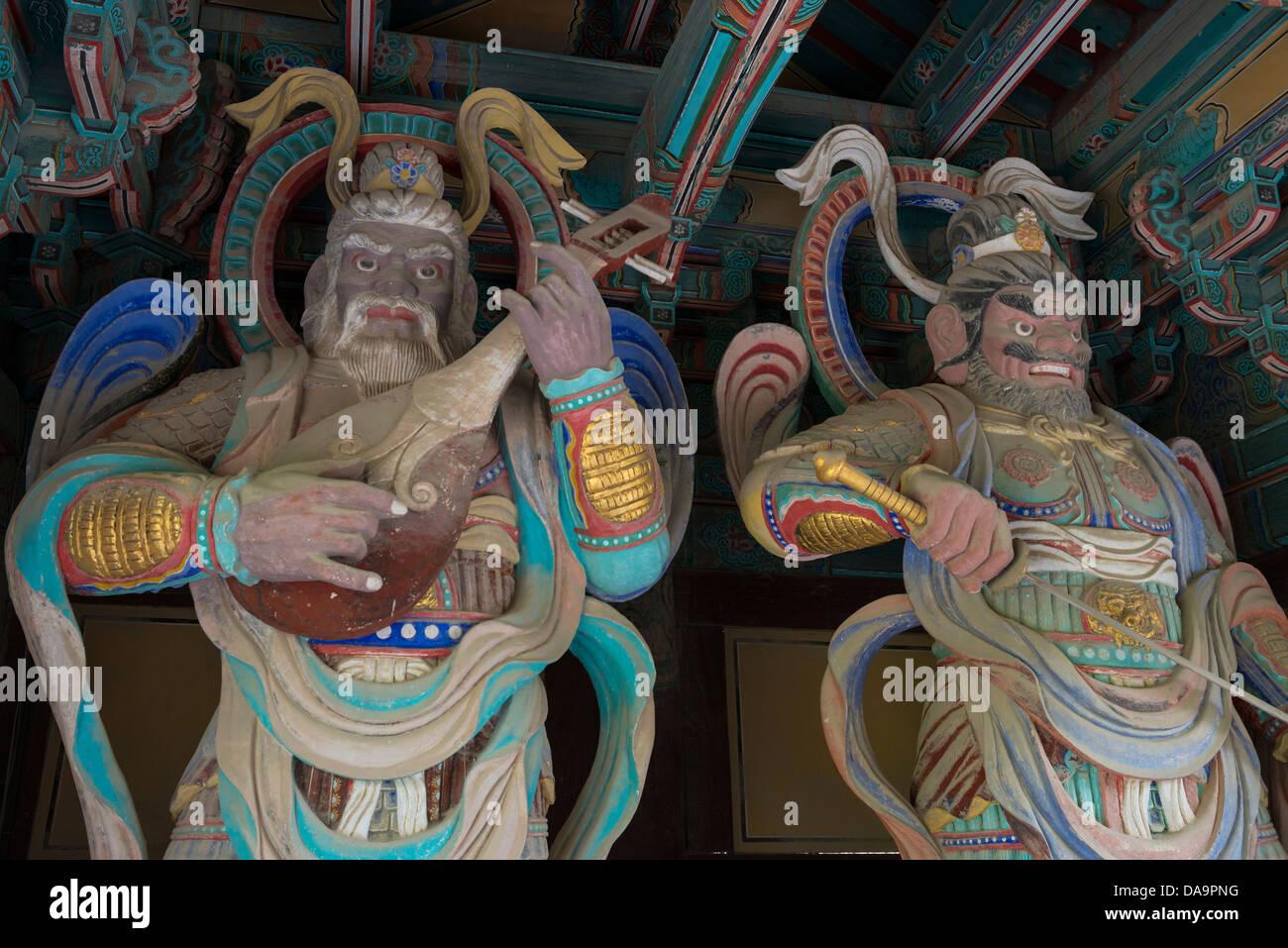Giant Wardens by the gates of Bulguksa Temple, Gyeongju, South Korea Stock Photo