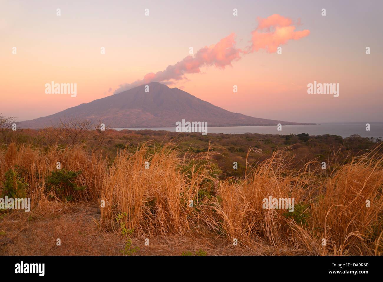 Central America, Nicaragua, Rivas, Isla Ometepe, UNESCO, Biosphere, Preserve, island, volcano, peak, maderas, Moyogalpa Stock Photo