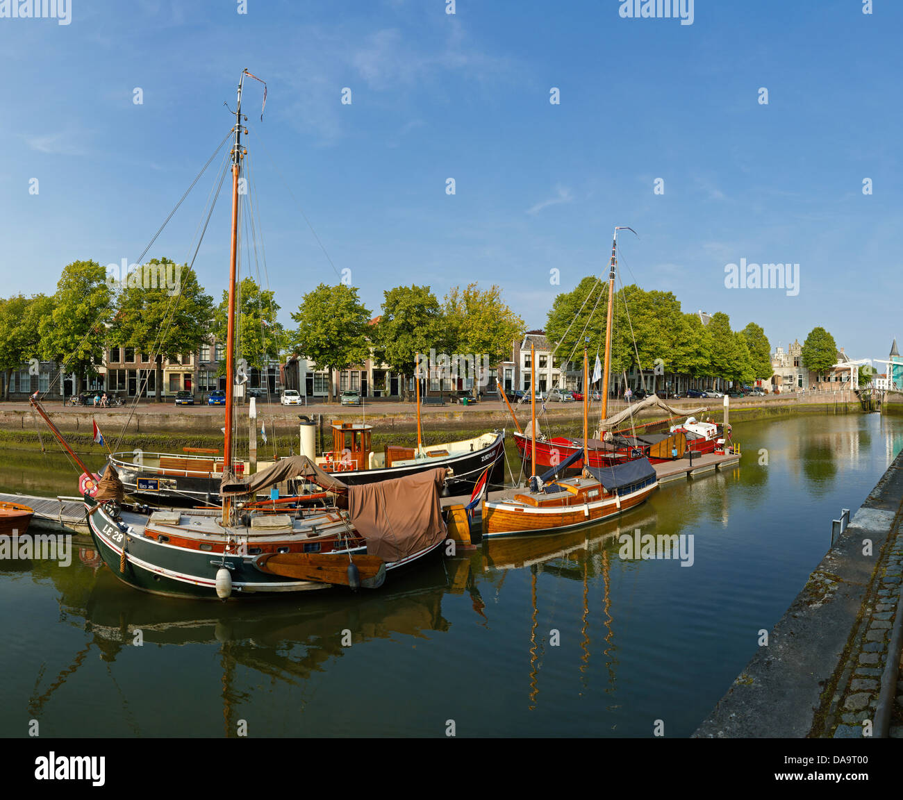 Netherlands, Holland, Europe, Zierikzee, Inland port, city, village, water, summer, ships, boat, harbour - Stock Image