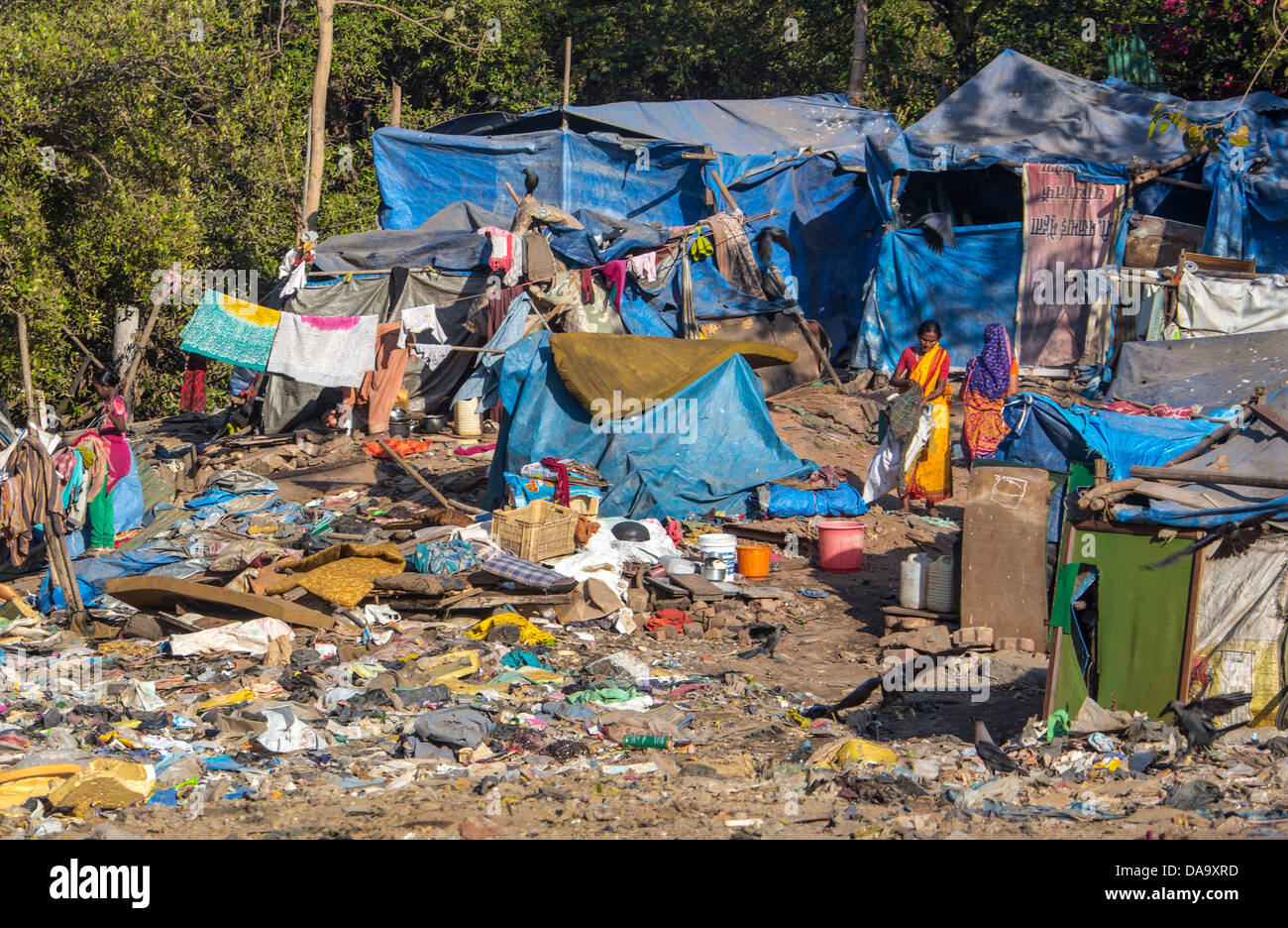 India, South India, Asia, Mumbay  City, dirt, dirty, garbage, plastic, poverty, rubbish, slum, poor - Stock Image