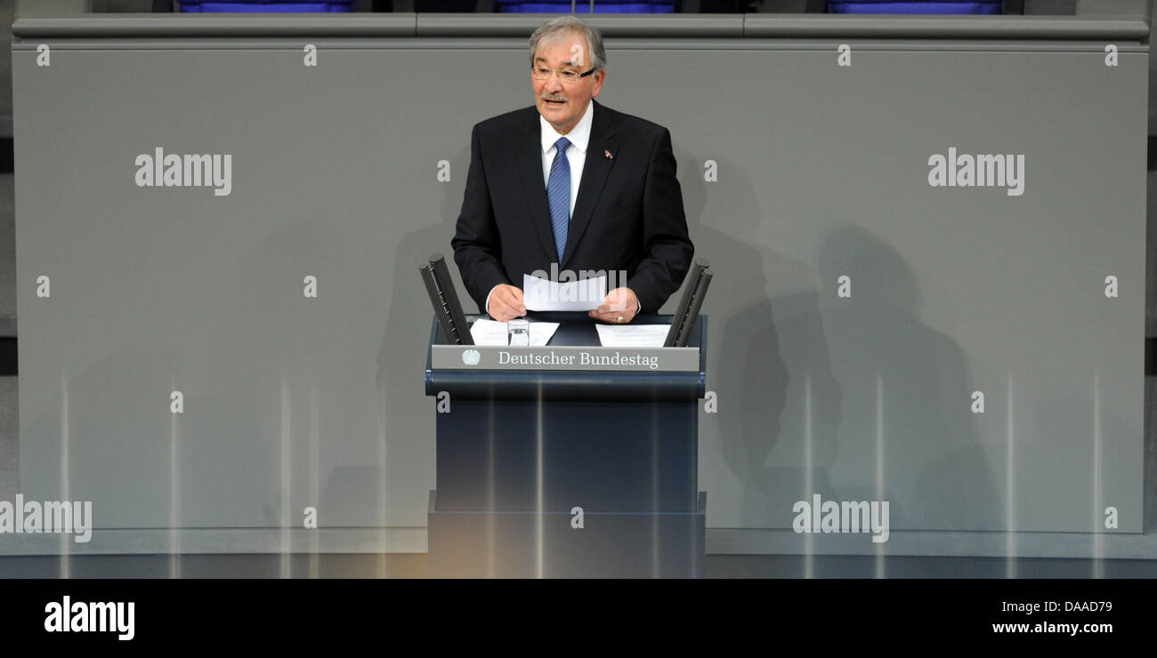 Dutch-born Roma Holocaust survivor Zoni Weisz holds a speech at the Bundestag(German parliament) on the occasion - Stock Image