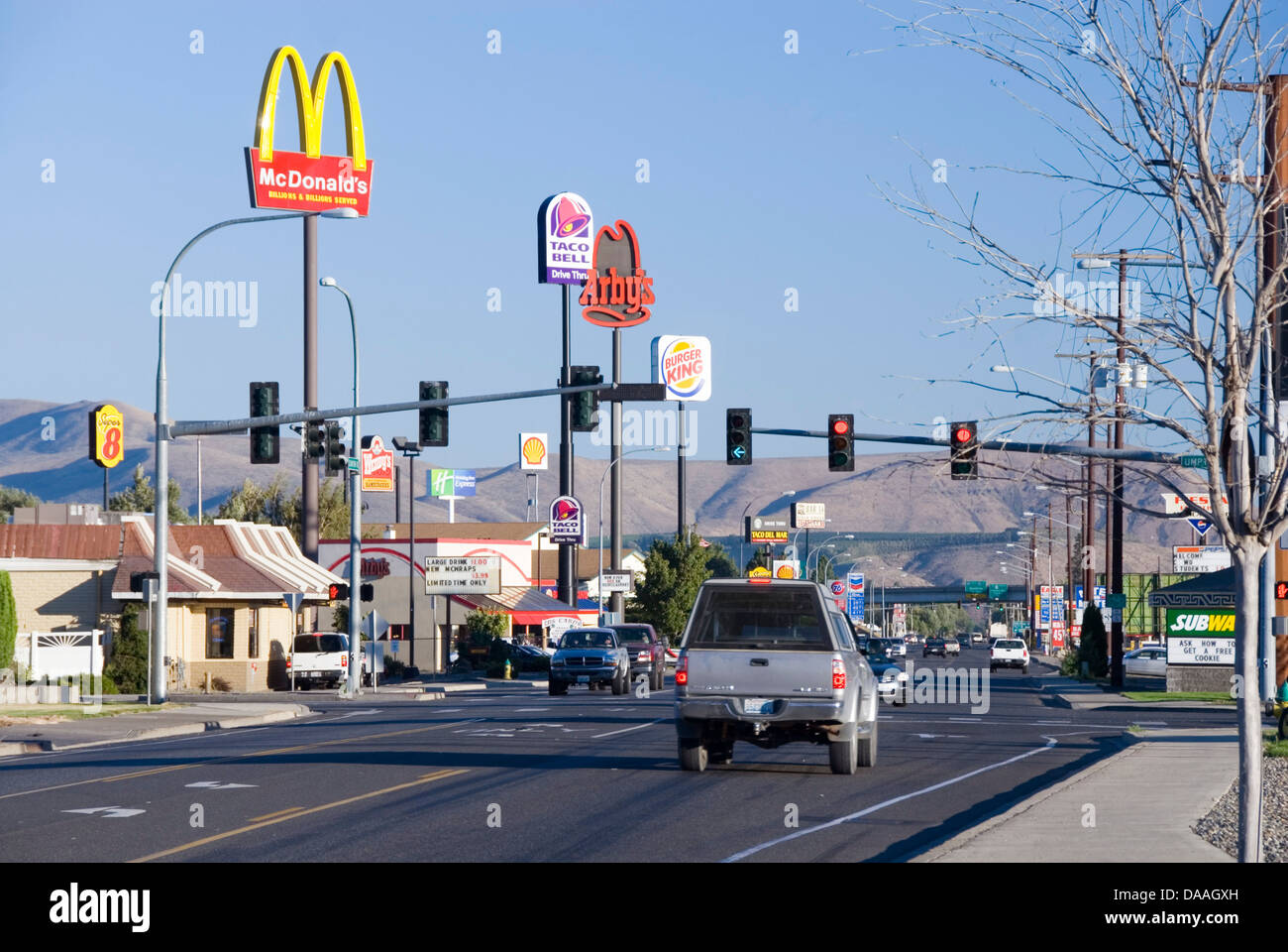 Canyon Road offers a variety of fast food joints from MacDonalds to Taco Bell, Ellensburg, Kittitas County, Washington Stock Photo