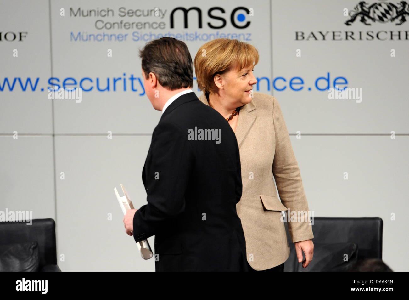 Die deutsche Bundeskanzlerin Angela Merkel (CDU, r) und der britische Premierminister, David Cameron, kommen am - Stock Image