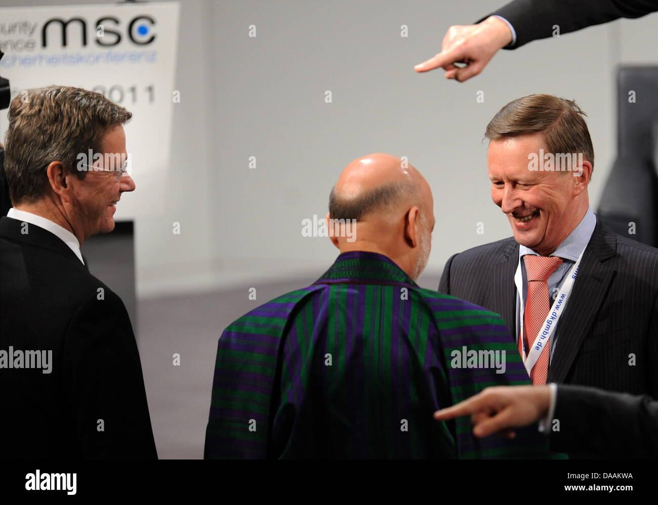 Bundesaußenminister Guido Westerwelle (FDP, l-r), der afghanische Präsident, Hamid Karsai und der russische - Stock Image