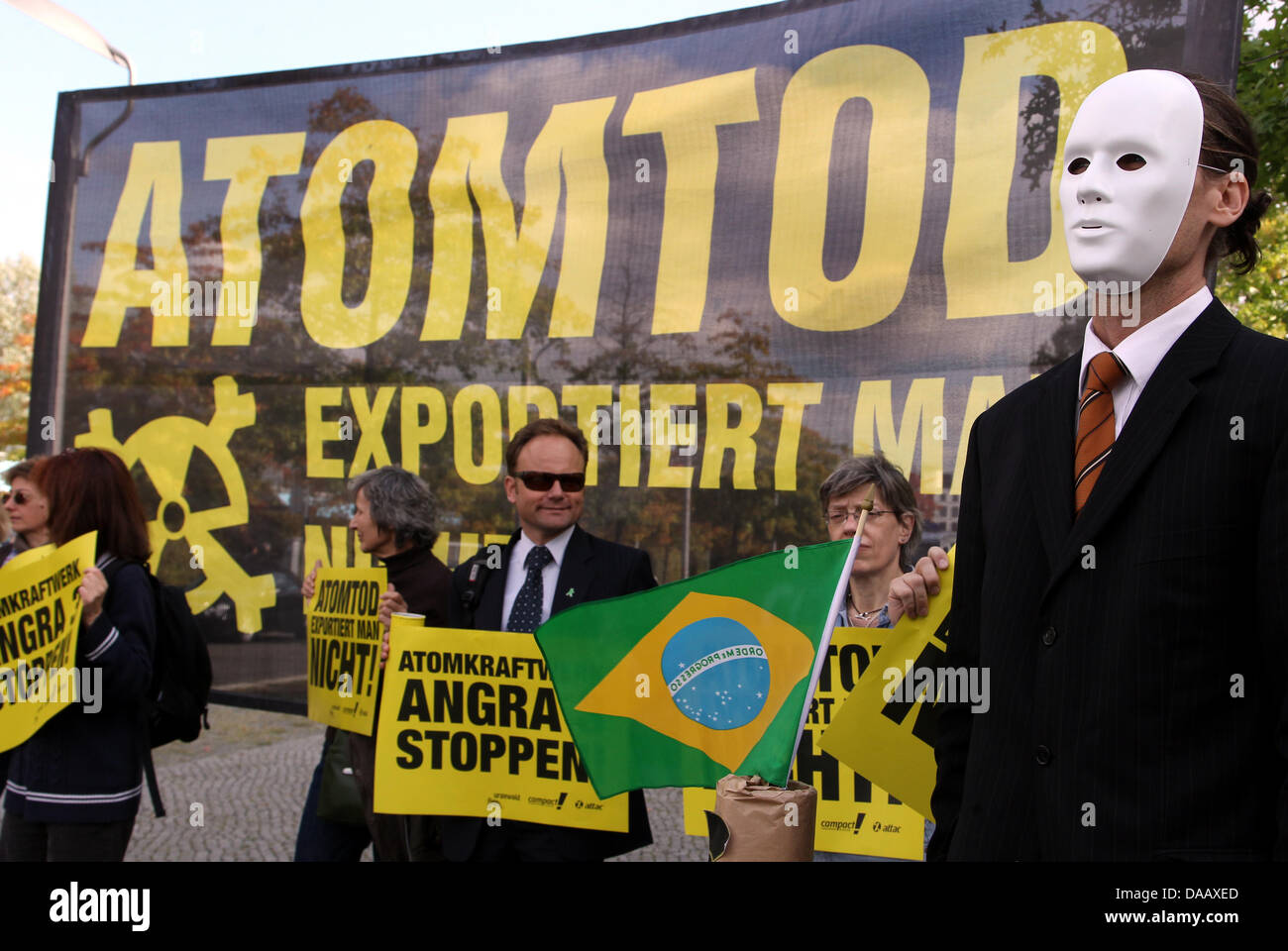 Members of the environmental group Campact demonstrate against the German credit guarantee supporting Brazilian Stock Photo