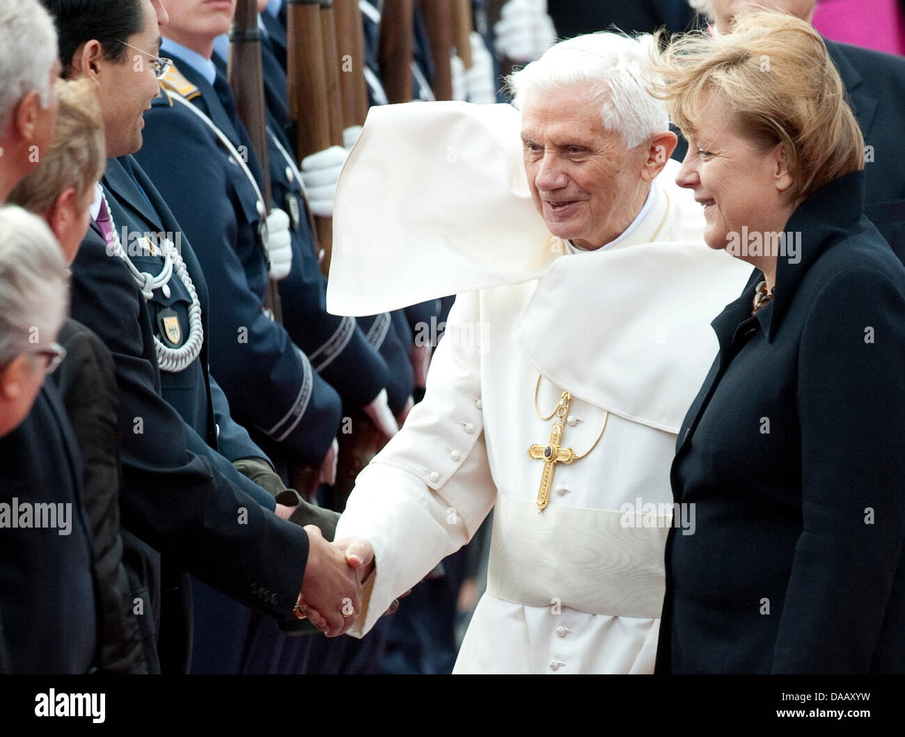 The Pope is welcomed by German Chancellor Angela Merkel (r). The head of the Roman Catholic Church is visiting Germany - Stock Image