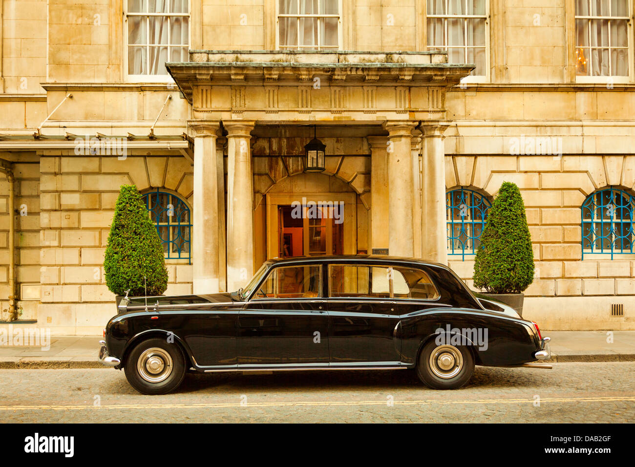 Rolls-Royce on the drive of a Mansion House,London,England - Stock Image
