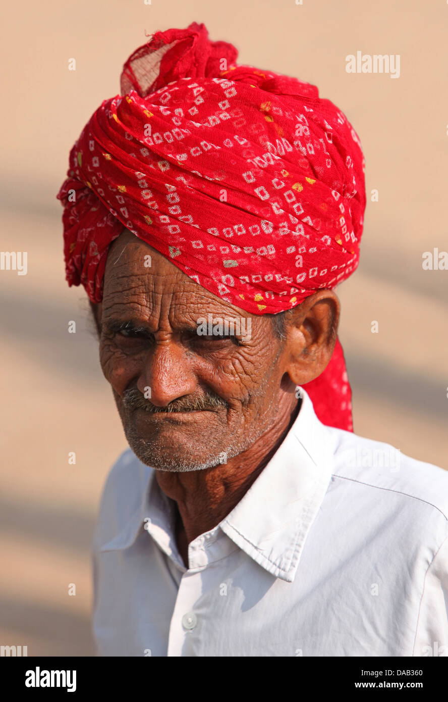Man, old, folds, wrinkles, turban, look, glance, portrait, Bundi, India, Asia, Rajasthan, - Stock Image