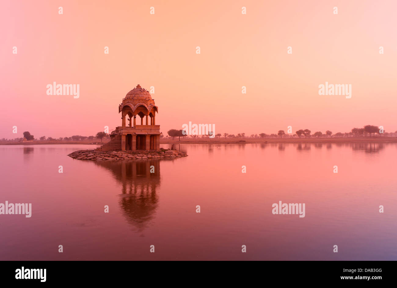 Gadi Sagar, lake, morning, sunrise, mystical, mysterious, quiet, reflection, shore, pavilion, idyllic, idyl, tourist, - Stock Image