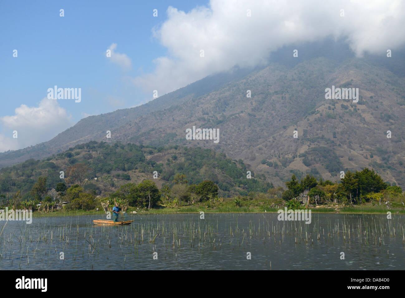 Central America, Guatemala, Lago de, Atitlan, lake, Santiago, boat, mountains, volcano, rim of fire, landscape, - Stock Image