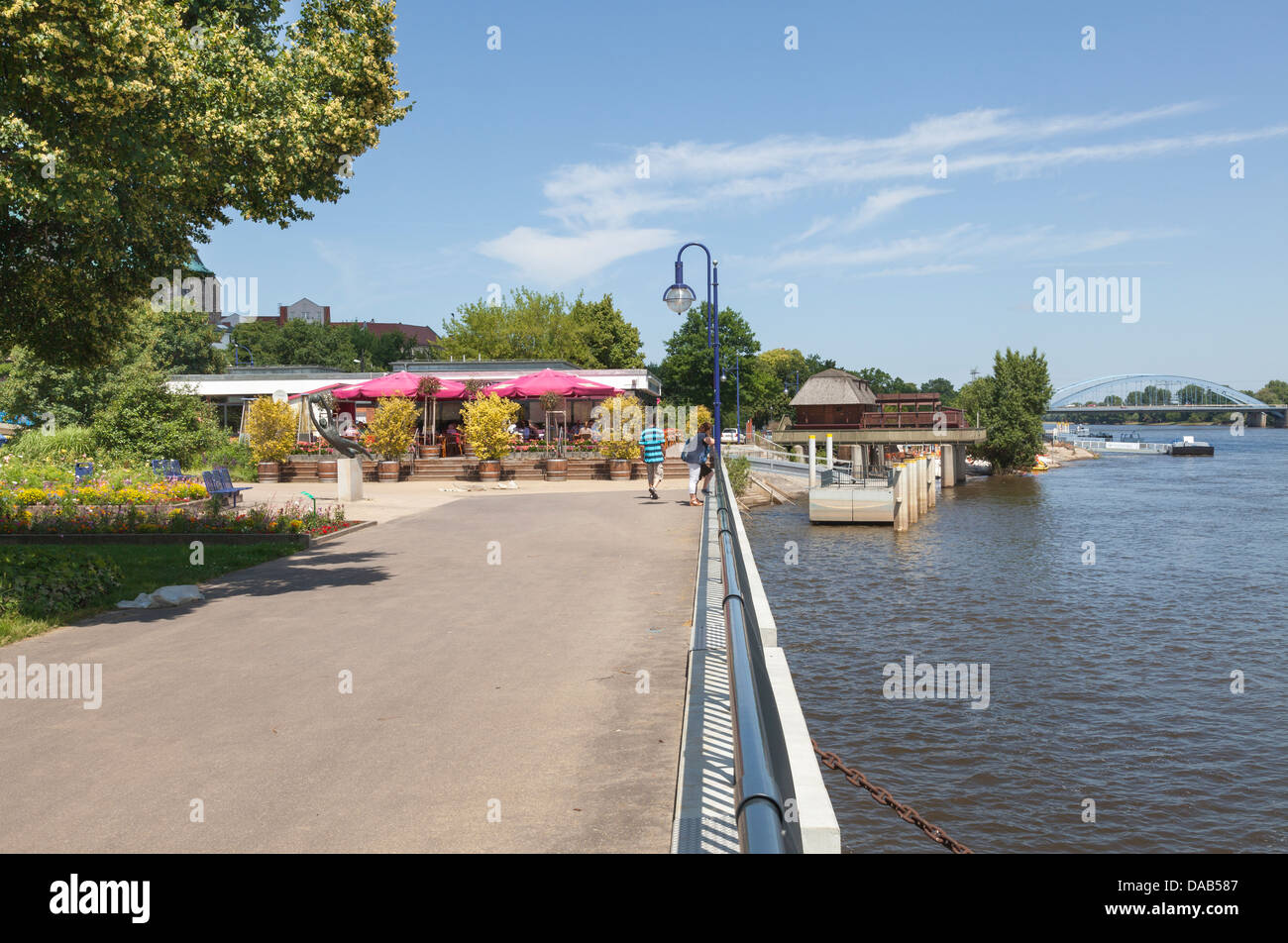 Elbufer Uferpromenade and River Elbe, Magdeburg, Saxony Anhalt, Germany Stock Photo