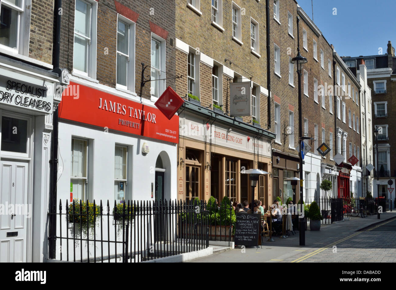 Shop fronts in New Quebec Street W1, Marylebone, London, UK. - Stock Image
