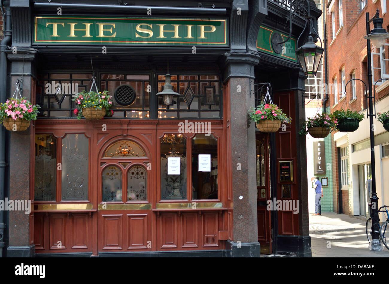 The Ship pub in Wardour Street, Soho, London, UK. - Stock Image