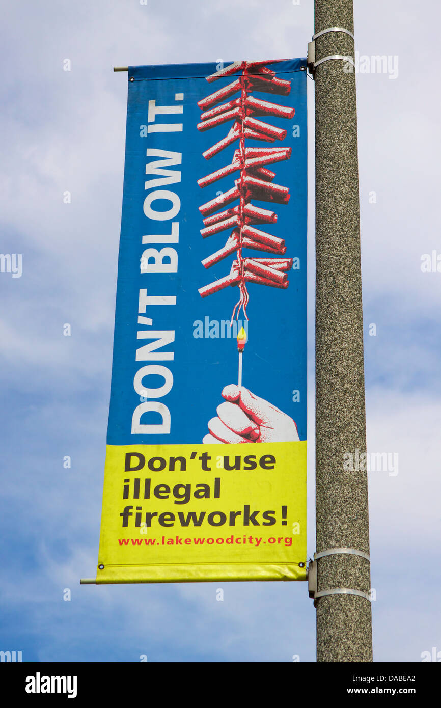 Don't use illegal fireworks sign in Lakewood California - Stock Image