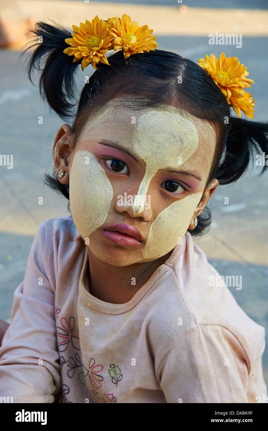 Young Burmese girl, Bagan (Pagan), Myanmar (Burma), Asia Stock Photo
