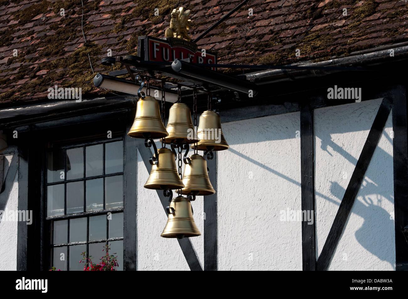 The Six Bells pub sign, Thame, Oxfordshire, UK - Stock Image