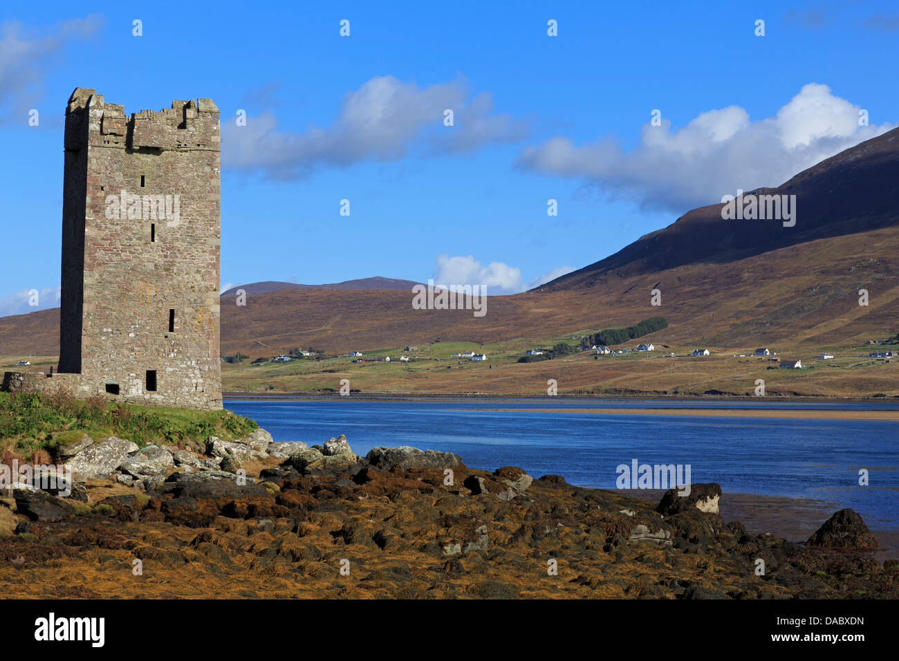 Kildownet Castle on Achill Island, County Mayo, Connaught (Connacht), Republic of Ireland, Europe - Stock Image