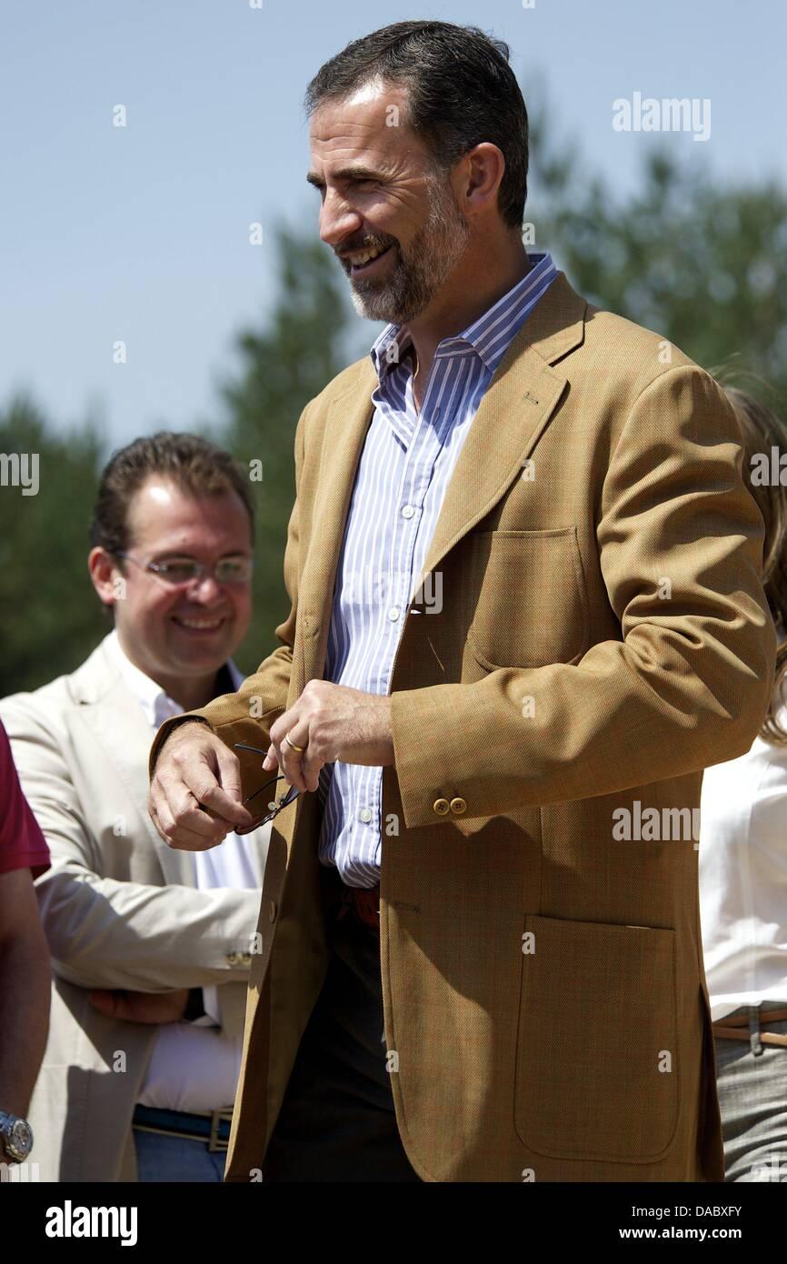 Rascafria, Spain. 10th July, 2013. Prince Felipe of Spain and Princess Letizia of Spain visit the National Park Stock Photo